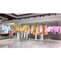 中国传统女装折扣店货源,精工刺绣工艺广州三荟服饰一手货源