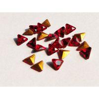 厂家新品 4mm三角大红尖底K9玻璃异形钻 DIY戒指项链美甲饰品配件