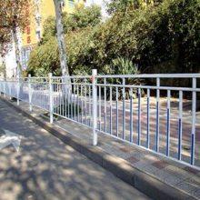 公路护栏规范 公路护栏厂家 城市公路护栏公司 鲁恒