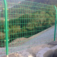 供应双边丝护栏隔离网 高品质护栏网 国标网孔