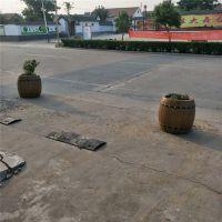 新款水泥仿啤酒桶花箱 滁州道路摆放水泥仿木花箱