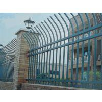 赤峰烤漆围墙栏杆Q235HC,喷塑道路护栏随时供应,克莱丁河道围栏货源充足
