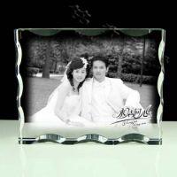 结婚十周年水晶内雕纪念品,夫妻照片内雕床头摆饰,深圳厂家定做