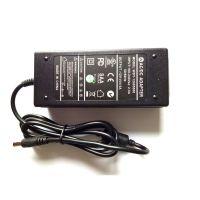 供应高品质12V5A开关电源 CE UL认证电源 外置恒压电源