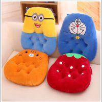 新款卡通小黄人坐垫 创意办公室椅垫毛绒玩具正品外贸批发