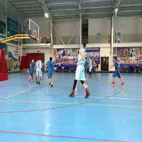 青少年篮球训练营