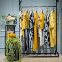 一线品牌简约风情19春折扣女装加盟厂家直供货源渠道短袖T恤连衣裙