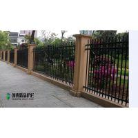工厂锌钢护栏铁艺围栏小区 社区围墙锌钢护栏价格低 工厂围栏
