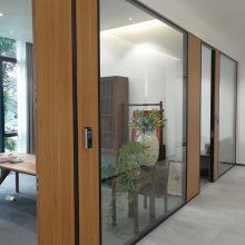 铜川办公玻璃隔断设计好才能更好的提高公司效率