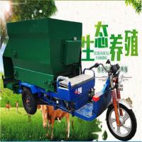 养殖柴油撒料车 牛场喂料设备 羊草饲料投料机