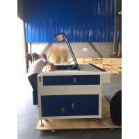 宏利轩激光厂家供应1390/1290/各种规格亚克力板激光切割雕刻机