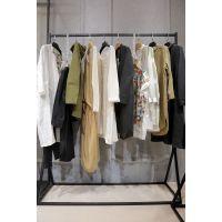 帕佳妮女装一线品牌折扣店加盟折扣女装 收服装尾货联系电话米色休闲裤