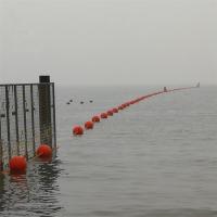海上红白相间养殖浮球是什么材质
