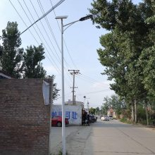 挑臂5米路灯 太阳能灯报价 单臂路灯 40W