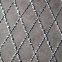 鑫鸿热镀锌刀片焊接防护网_菱形低碳钢丝焊接隔离网_刀片网