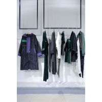 欧时力北京 服装尾货批发市场地址 品牌折扣女装剪标秋尾货灰色牛仔裤