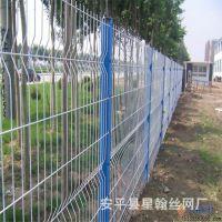 三角折弯防爬围栏网 四道折弯加强筋防护网 道路隔离铁丝网