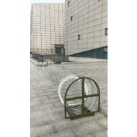 优质安全护栏 工程项目防护网 金属框架阻隔网