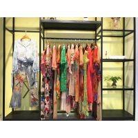 杭州女装品牌折扣店花色休闲连衣裙货源尾货剪标多种款式新款组货包