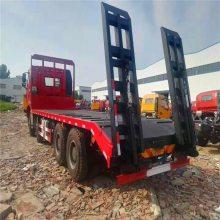 解放前四后八挖机拖车|解放小三轴拖板车价格2.5L