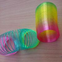 彩虹圈 彩虹弹环 弹簧玩具 爆款畅销 一元两元批发货源 可做赠品