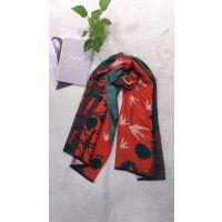 上海品牌折扣女装厂家围巾批发品牌折扣店女装货源