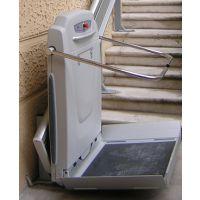 直轨斜挂式轮椅升降平台-扬州兆宇机械制造有限公司