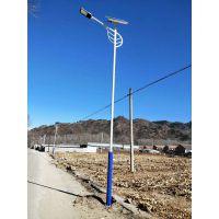 保定望都太阳能路灯生产厂家/望都路灯安装实例/8米60w自弯臂灯杆样式