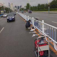 鲁恒 城市交通护栏批发 交通护栏加工 交通护栏厂家