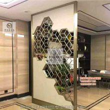 不锈钢屏风 现代简易黄钛金装饰镂空雕花客厅隔断屏风玄门关
