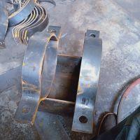 鑫佰A4紧固管夹,三孔管夹型号齐全。