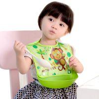 小孩吃饭围兜加大孩子宝贝儿童围嘴吃饭大号防水吃饭围兜小孩围兜