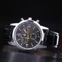 厂家爆款韩版皮带时尚石英表女款学生日内瓦三眼六针石英男士手表