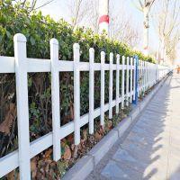 市政道路护栏还可用于果园护栏网、高速公路护栏网、小区别墅、公园花园防护网等地的隔离防护。