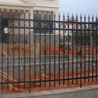 国帆铁艺围栏厂家 道路护栏 淮安锌钢栅栏价格