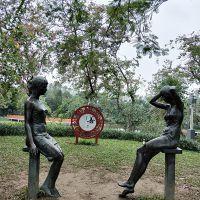 定制 定制玻璃钢仿铜人物雕塑名人烈士人象公园摆件情吕人物造型直销厂