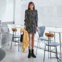 米梵张莉女装品牌尾货支持换货 天津品牌折扣女装尾货批发藏蓝色羽绒裤