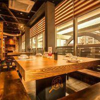 湘菜主题餐厅实木桌椅组合复古做旧休闲桌子