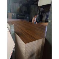 沪丰木业专业生产刨花板密度板饰面板批发