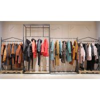 山水雨稞女装尾货批发一线品牌折扣女装 货源品牌服装尾货黄色连衣裙