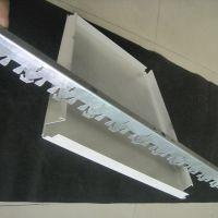 加油站吊顶白色条形铝扣板价格以及装修效果图