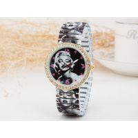 时尚流行玛丽莲梦露图案弹簧带手表 高端优质镶钻表壳女士手表