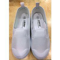 学生白色运动鞋