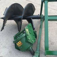 定制开发双头高效土地挖坑机 四轮配套使用土地挖坑机现货