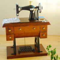 2010仿古缝纫机音乐盒 复古仿木八音盒 摆件 老师母亲节日礼物