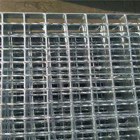专业方格板厂家 镀锌踏步板现货 长春楼梯简易踏板