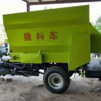 山东菏泽自动喂料撒料车厂家 专业牛场青贮撒料拌料车 牧场养殖设备