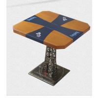 什么桌子好看耐用耐磨?复古风餐厅5公分厚度浮雕板材台面图案字体定制