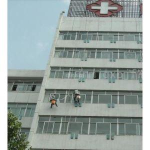 供应广州大道南洗外墙 专业外墙清洗 玻璃外墙清洗 蓝态高空清洗公司