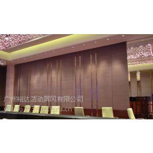 供应酒店、办公楼、会议室、展览厅、博物馆、图书馆等高隔间隔断。内部装修造型